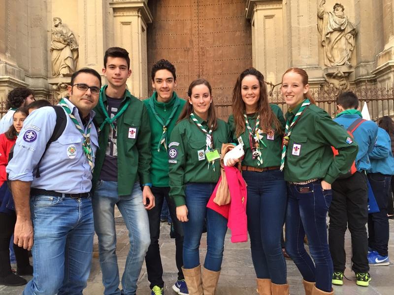 Grupo - Luz de la Paz de Belén Granada 12 - 15-16