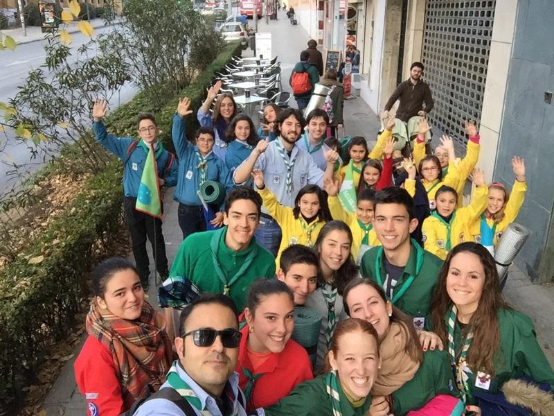 Grupo - Luz de la Paz de Belén Granada 13 - 15-16
