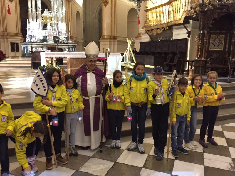 Grupo - Luz de la Paz de Belén Granada 15 - 15-16