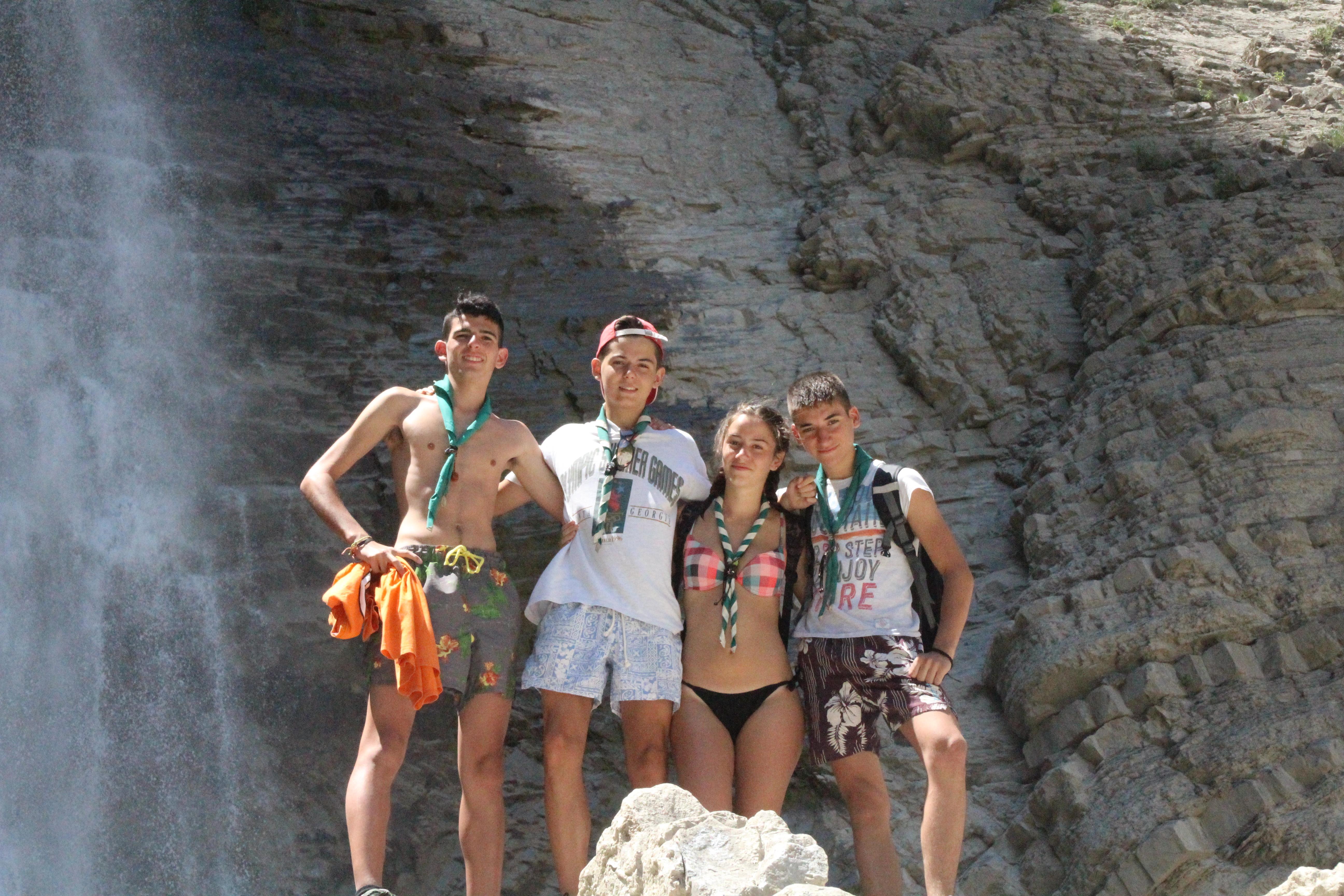 15-16 - Grupo - Campamento de verano - P121