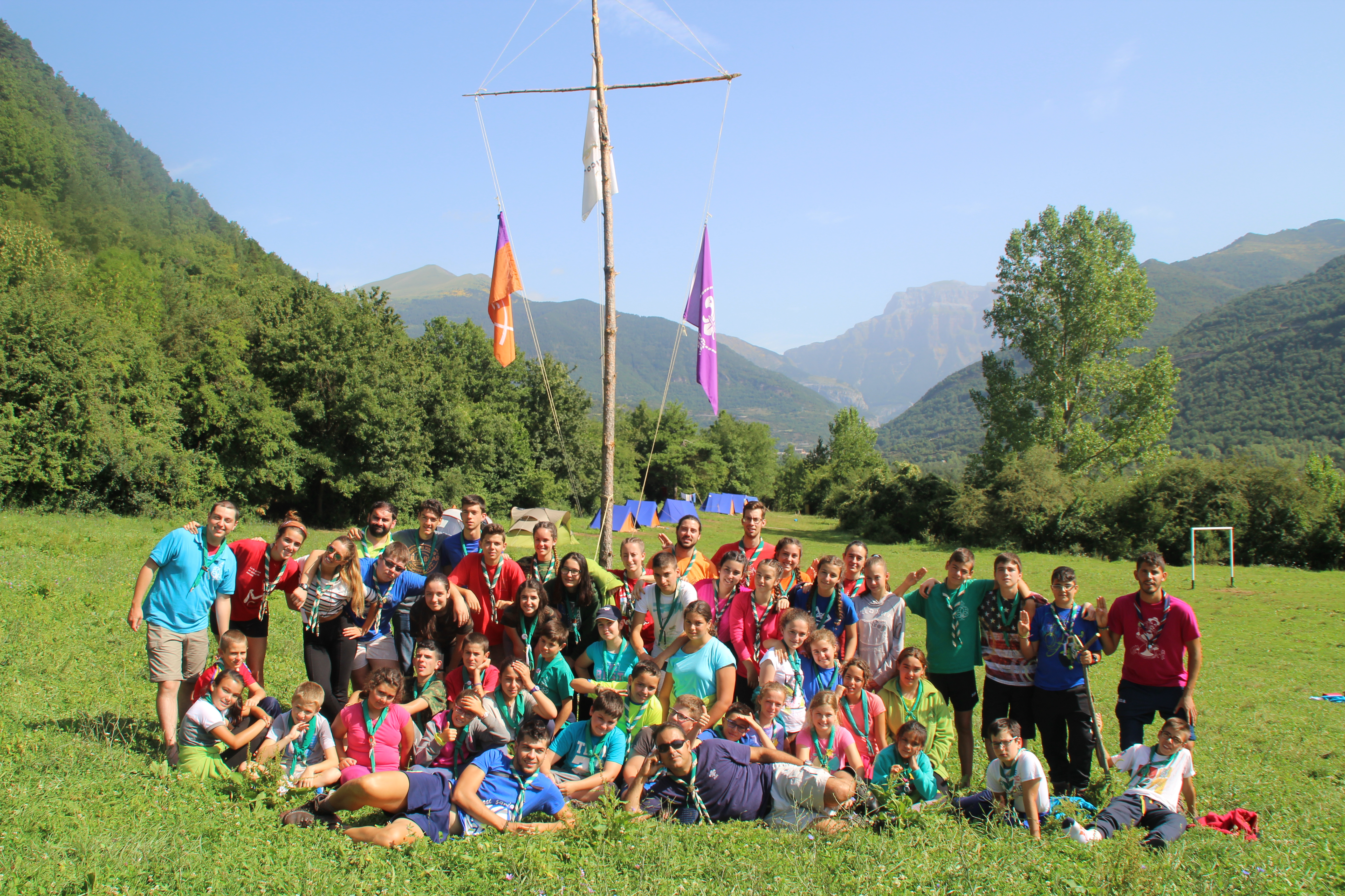 15-16 - Grupo - Campamento de verano - P176