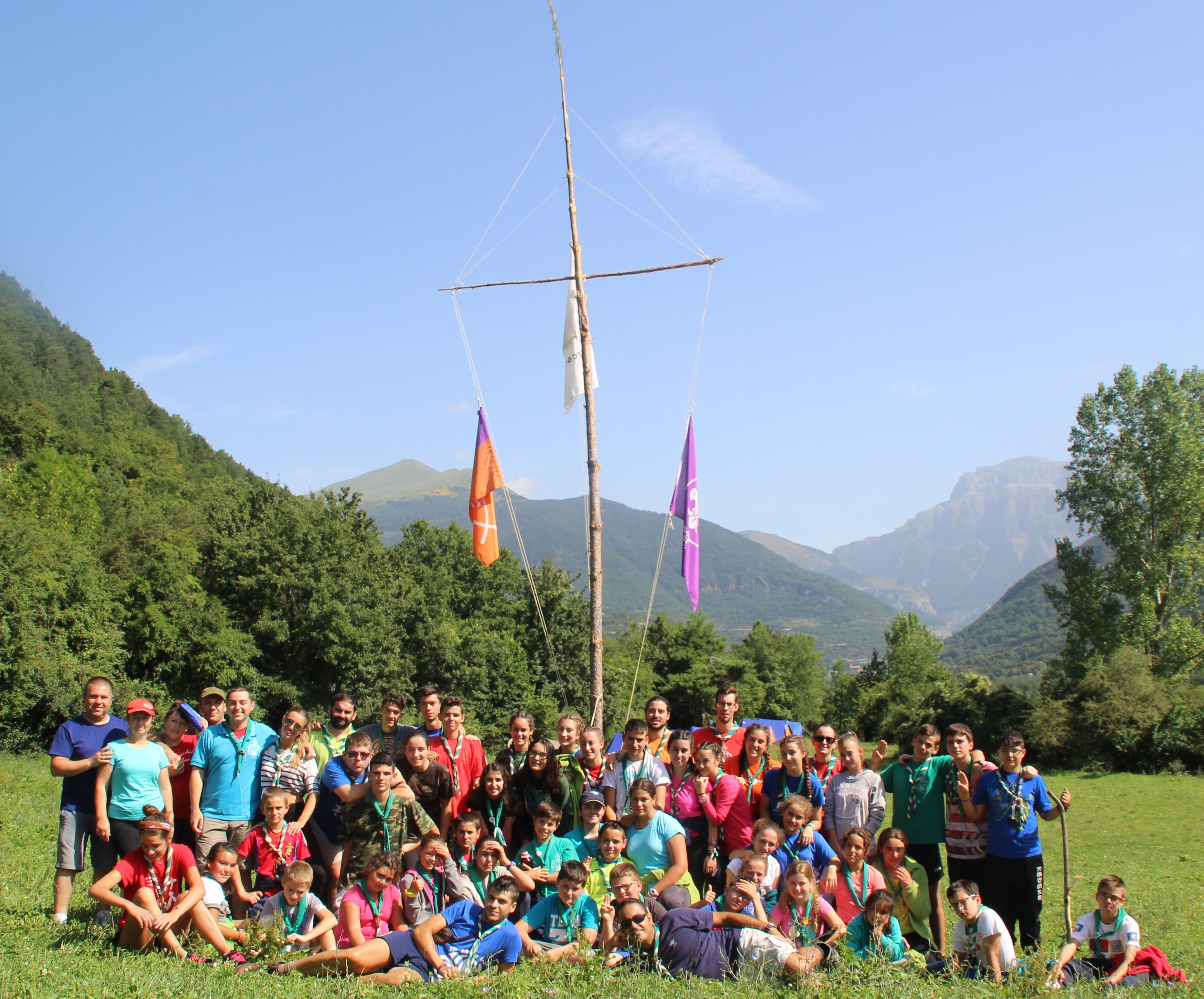 15-16 - Grupo - Campamento de verano - P177