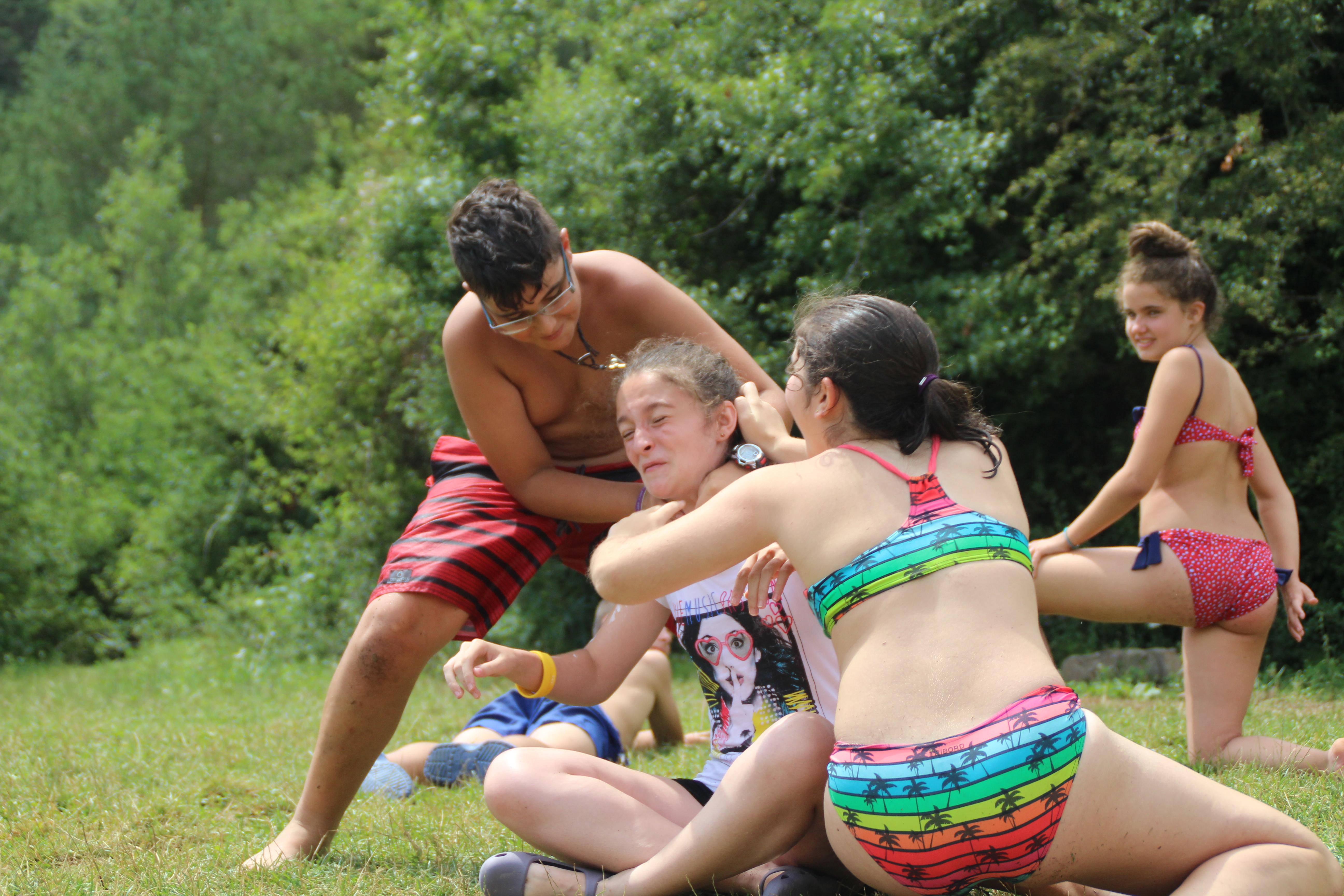 15-16 - Grupo - Campamento de verano - P182