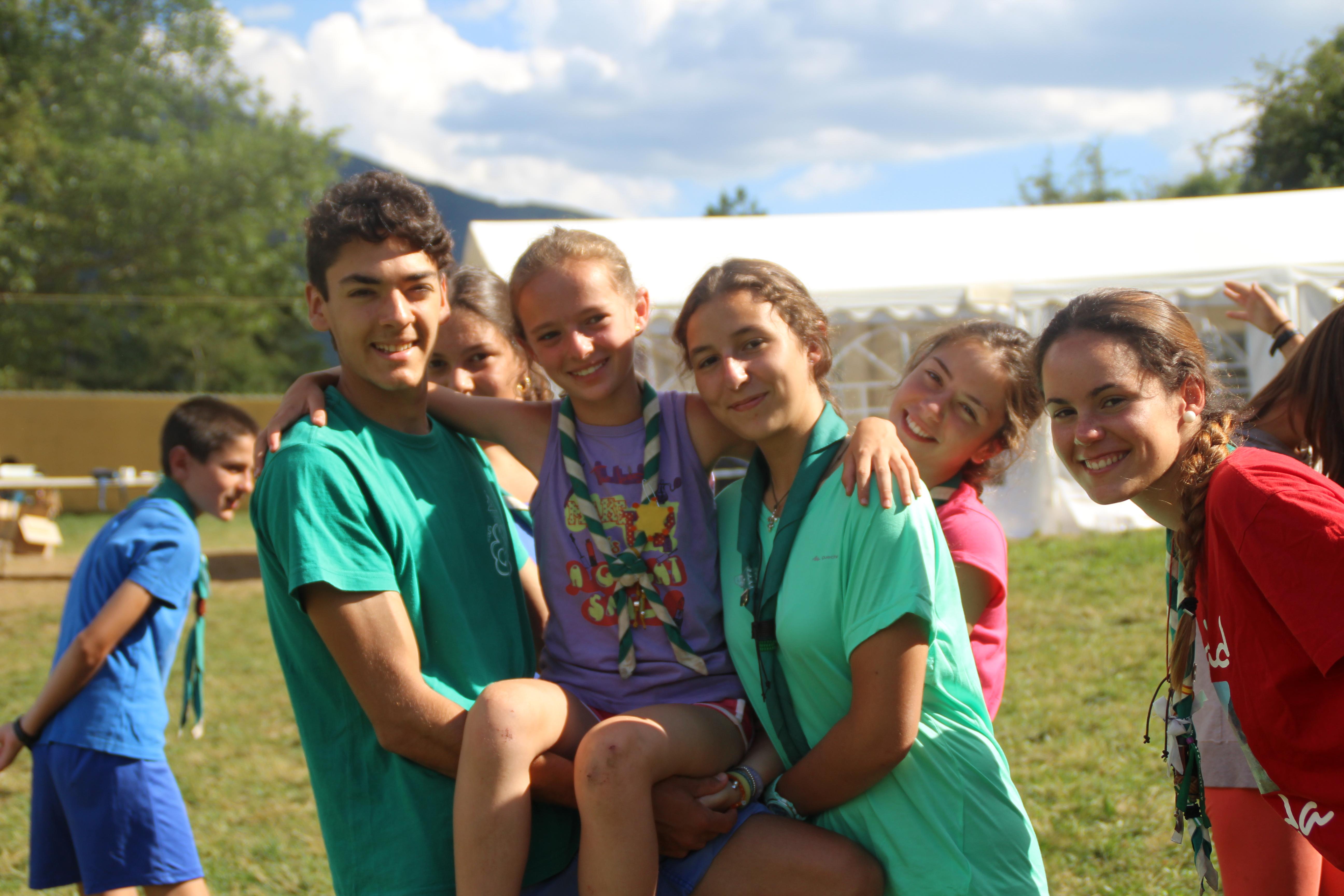 15-16 - Grupo - Campamento de verano - P209