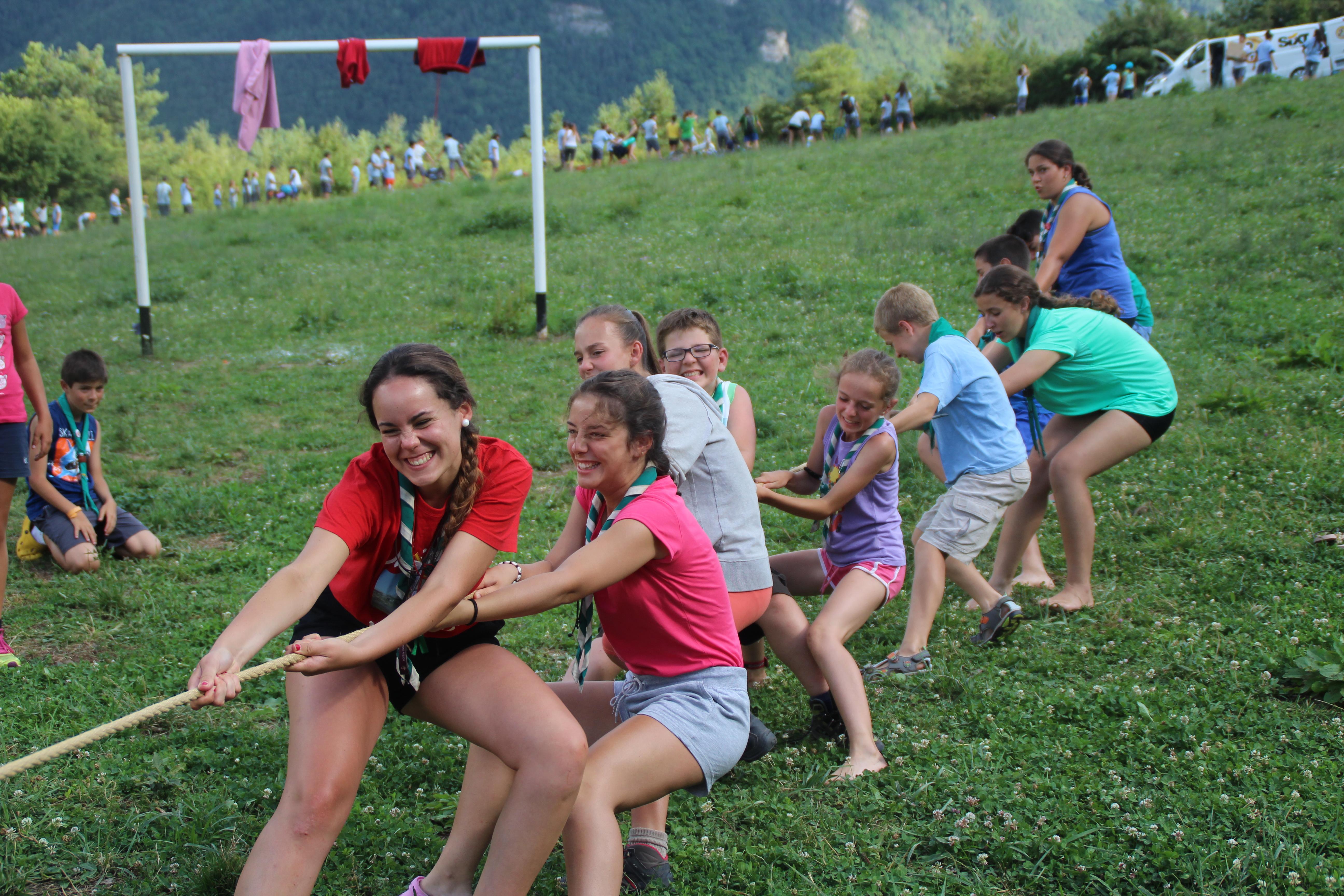 15-16 - Grupo - Campamento de verano - P220