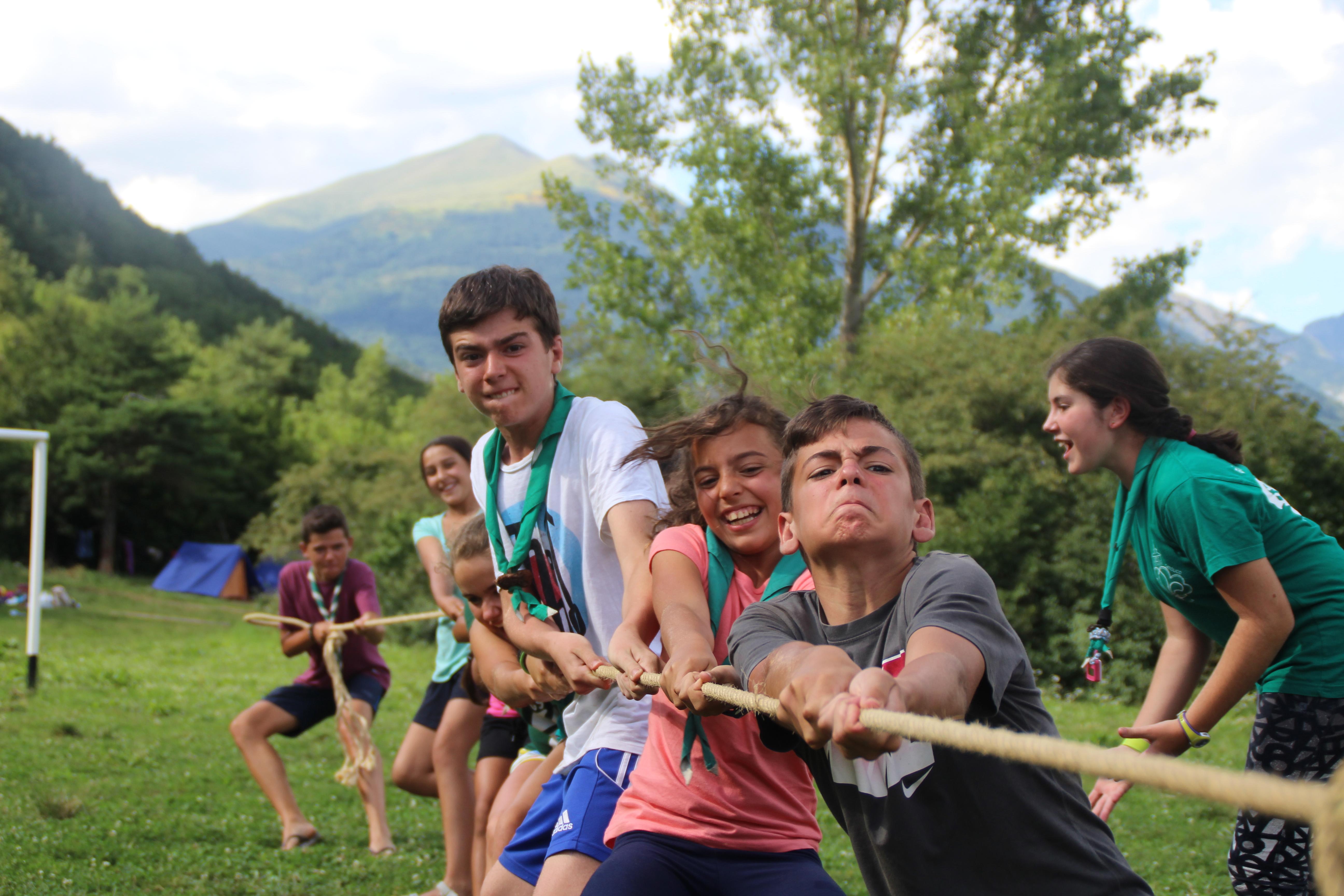 15-16 - Grupo - Campamento de verano - P221