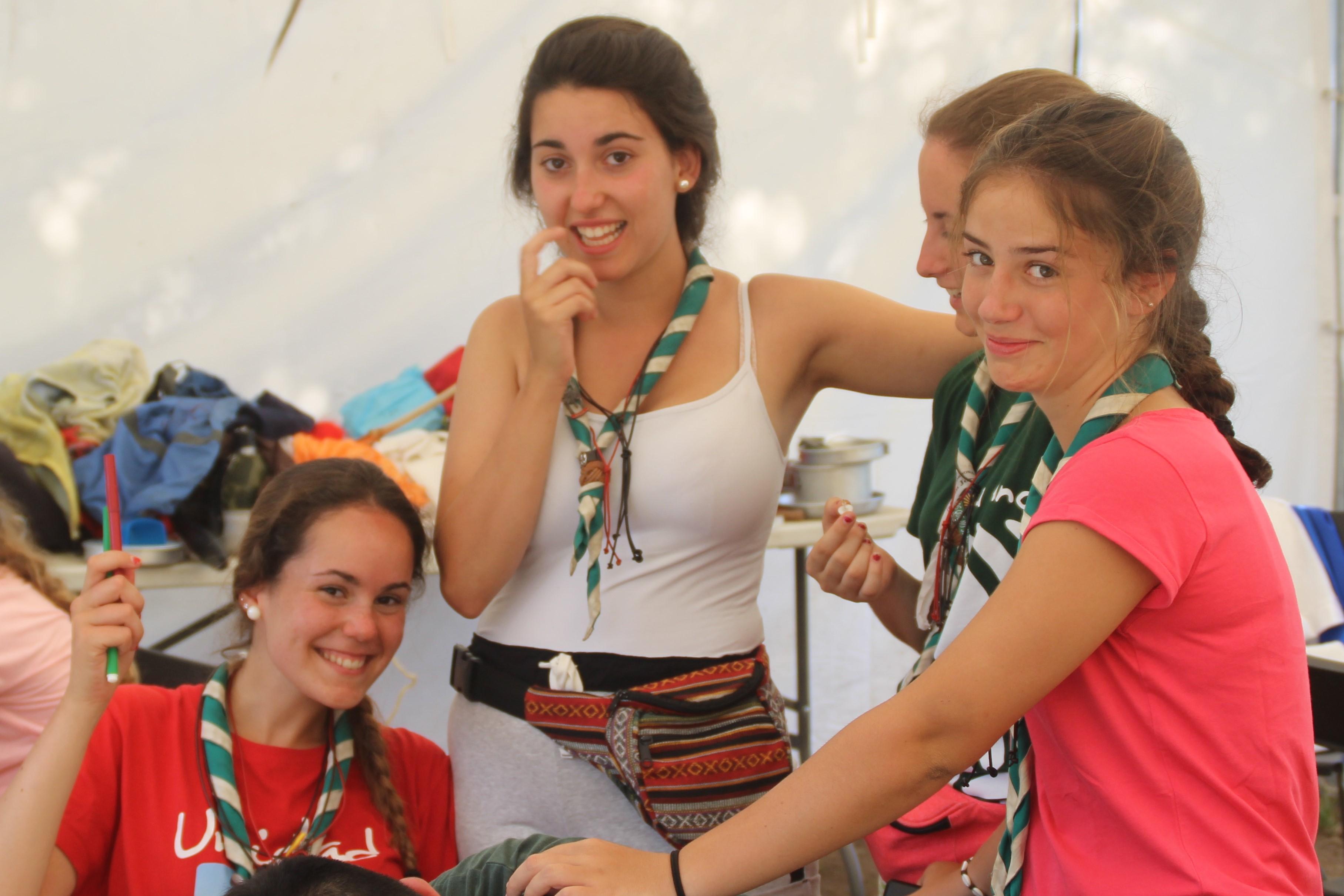 15-16 - Grupo - Campamento de verano - P244