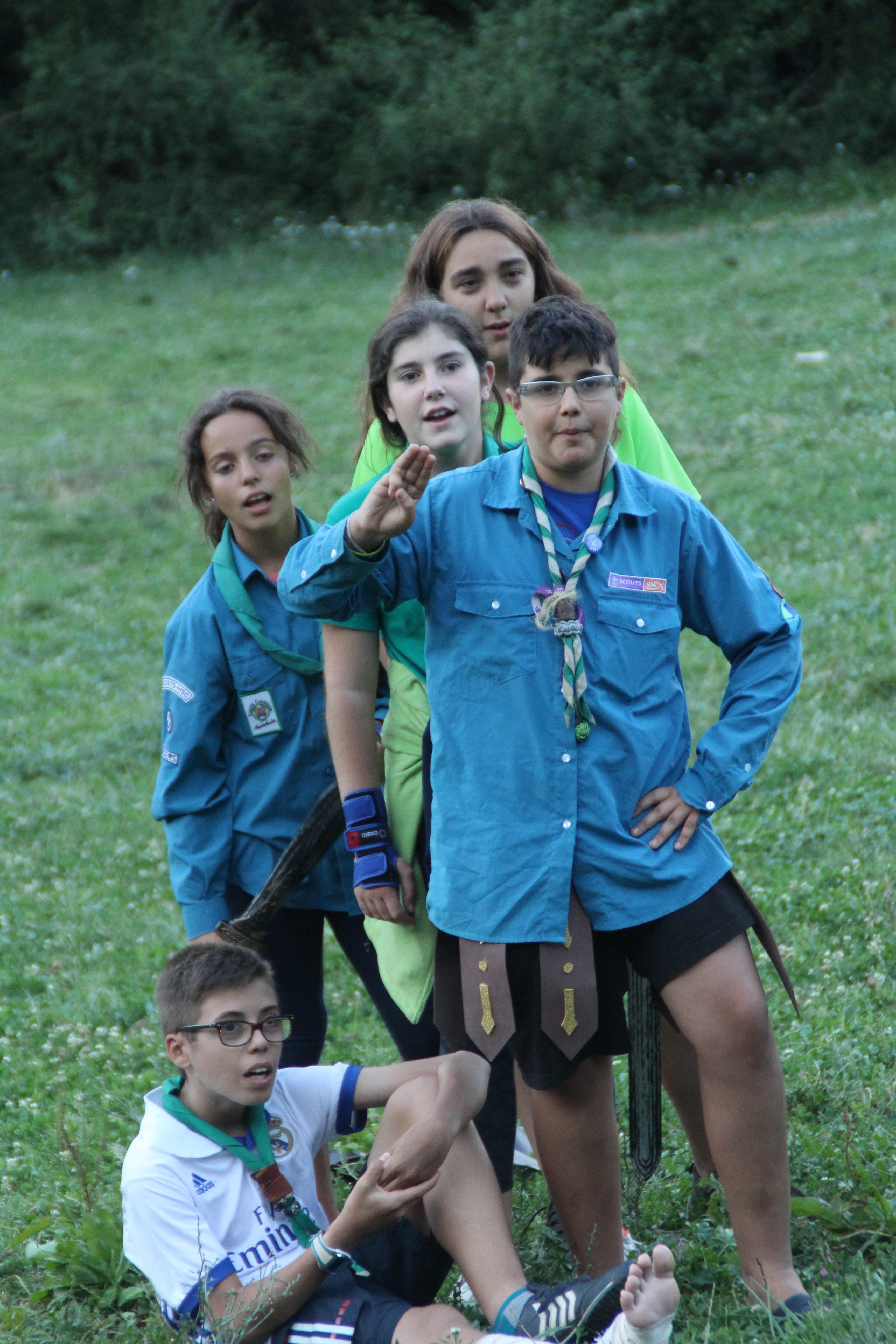 15-16 - Grupo - Campamento de verano - P282
