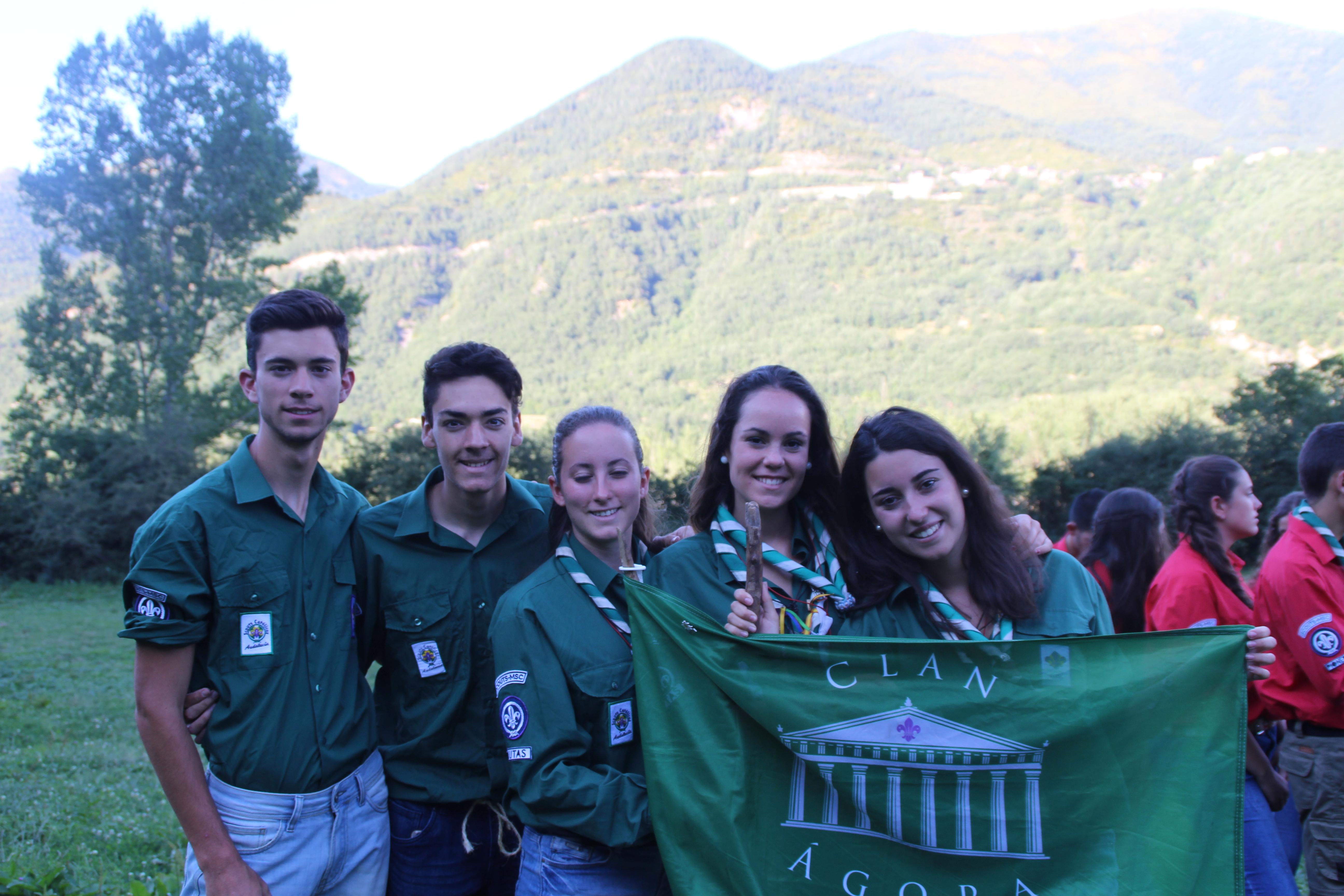 15-16 - Grupo - Campamento de verano - P302
