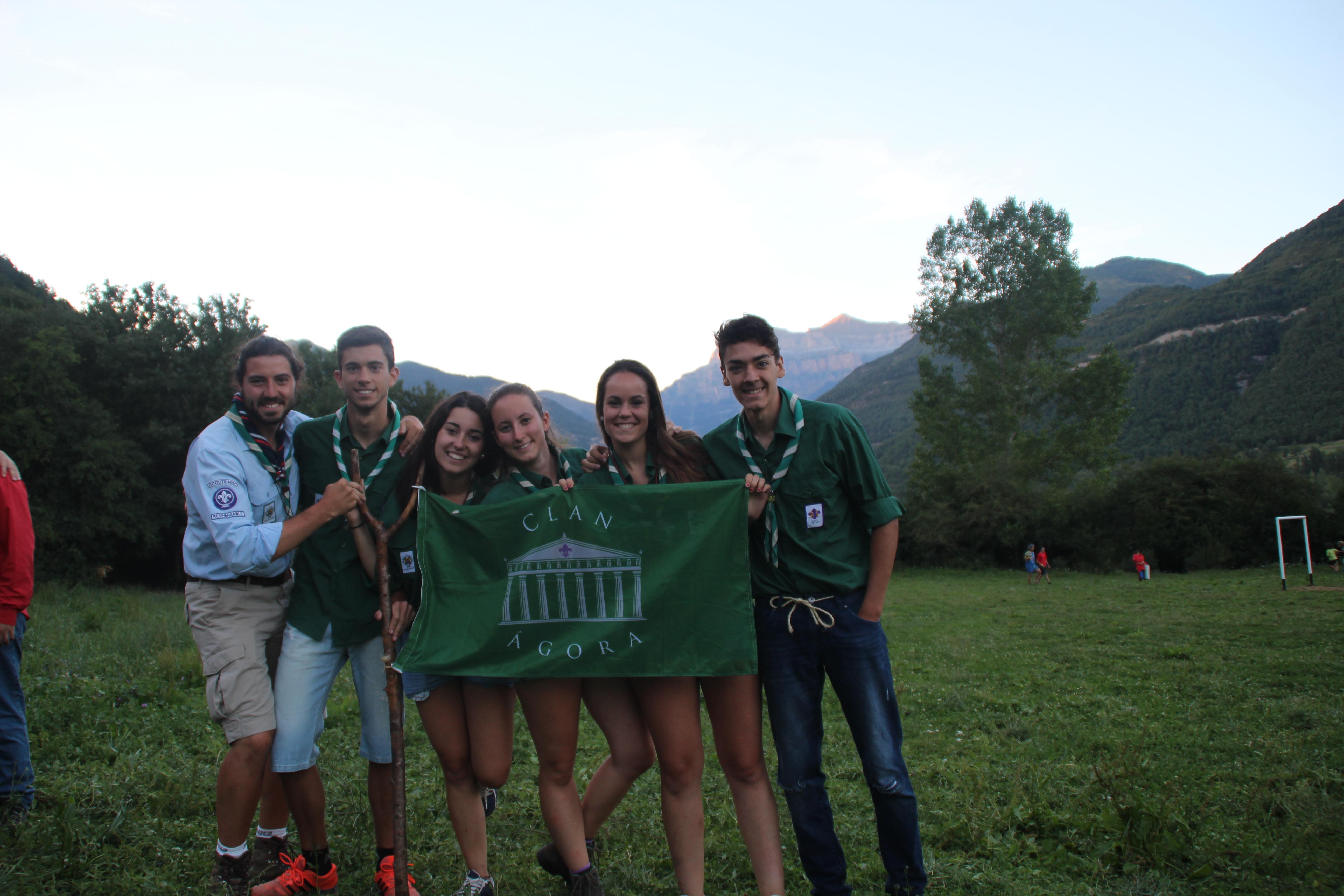 15-16 - Grupo - Campamento de verano - P423