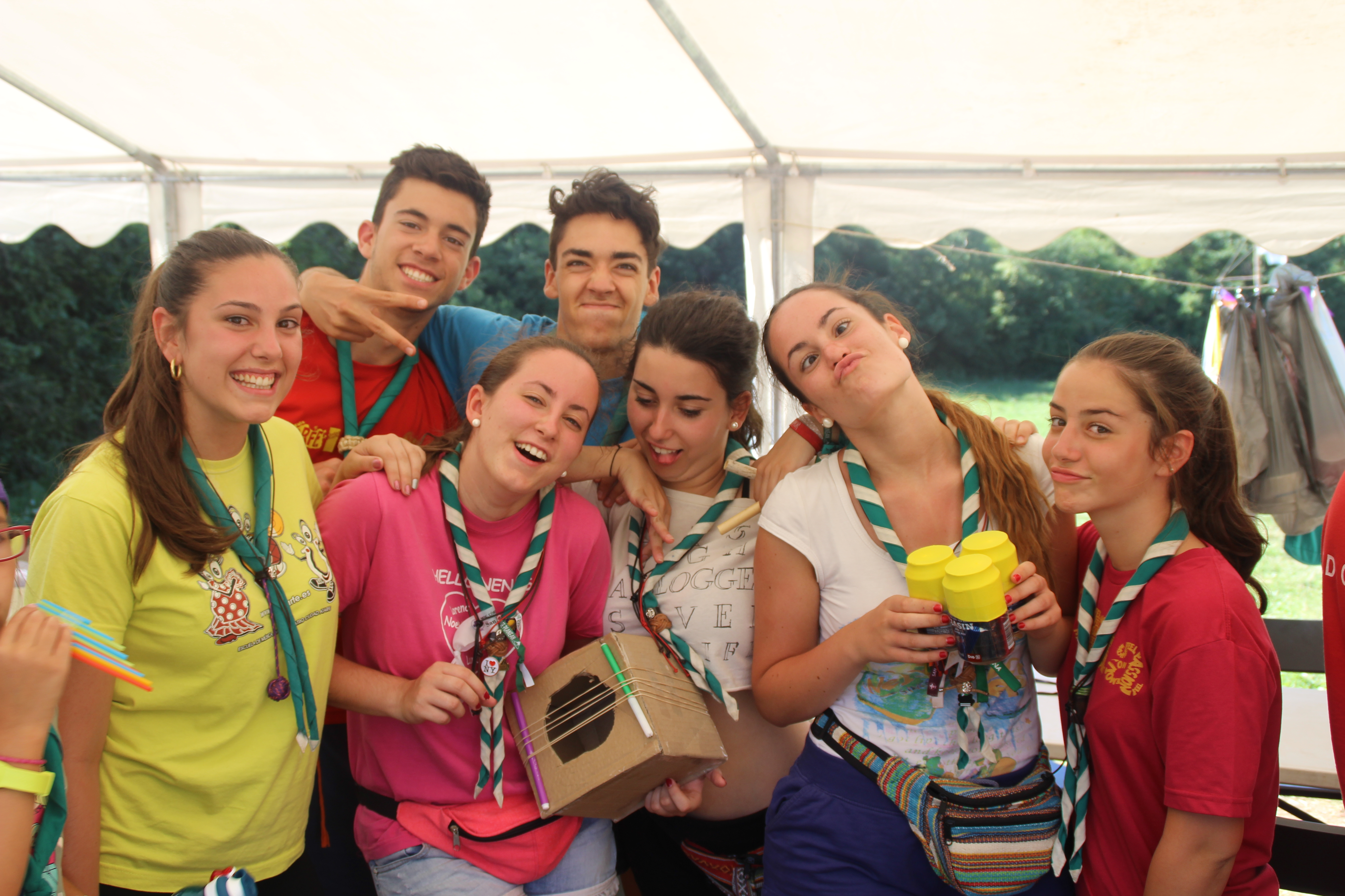 15-16 - Grupo - Campamento de verano - P44
