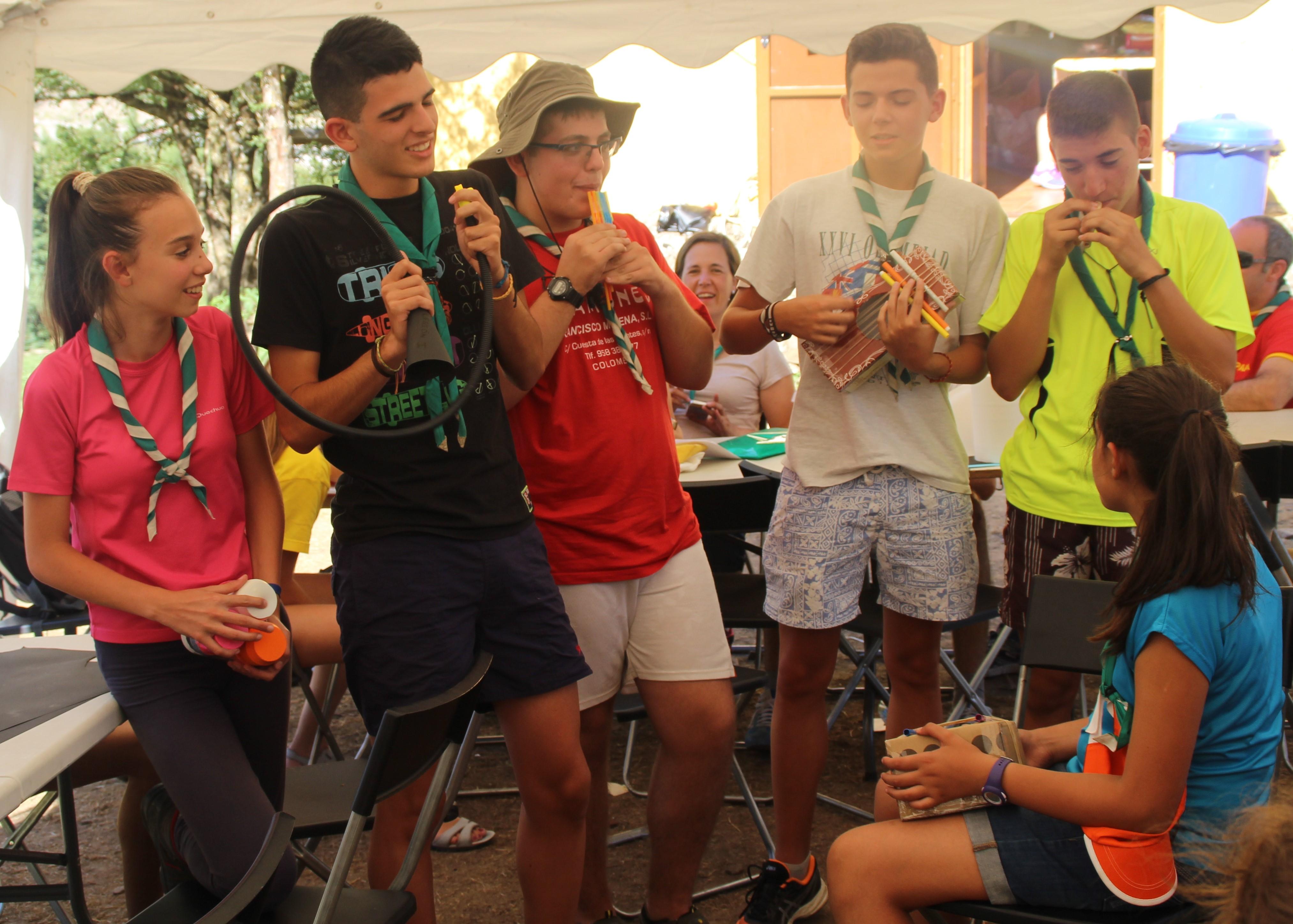 15-16 - Grupo - Campamento de verano - P47
