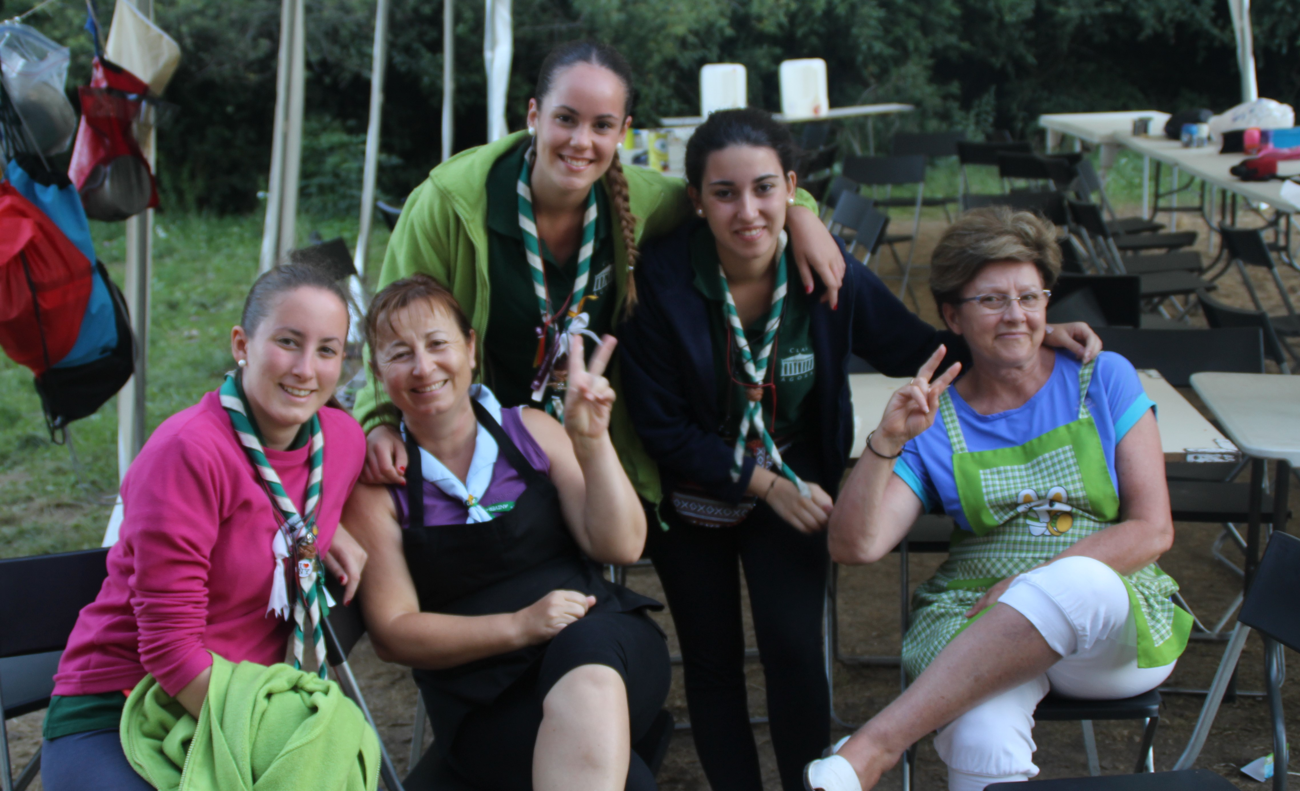 15-16 - Grupo - Campamento de verano - P90